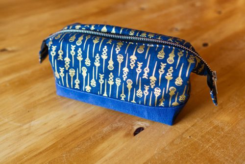 A makeup bag I made using the Retreat Bag pattern